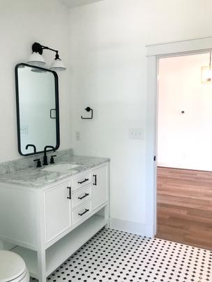 Magnolia Cottage hall bathroom