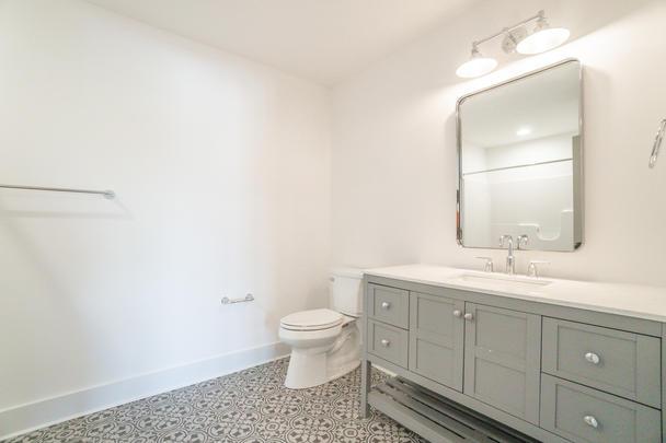 Magnolia Cottge 2nd floor bathroom