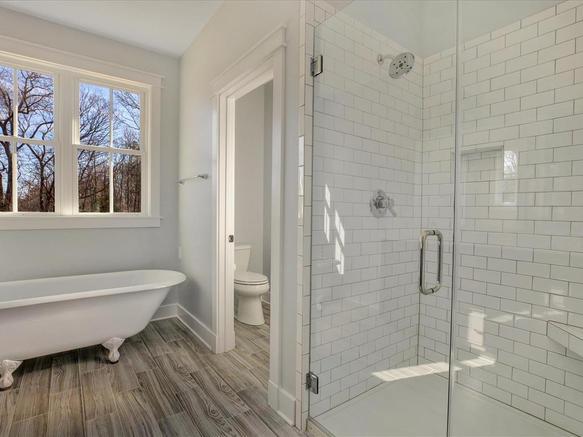 Willow master bathroom