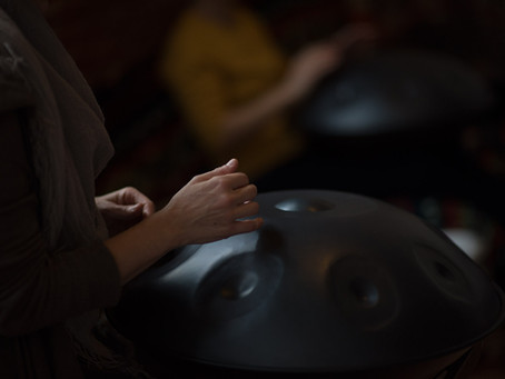 The Handpan Beginners Cheat Sheet. Answers to All Your Questions in One Sentence or Less.