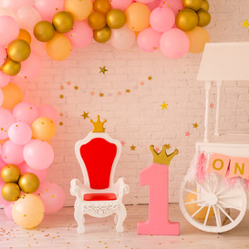 Decor for first birthday party.jpg