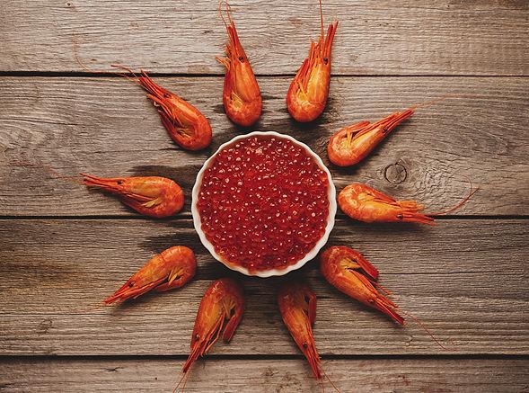 Seafoods_Shrimp_Caviar_Wood_planks_Grain