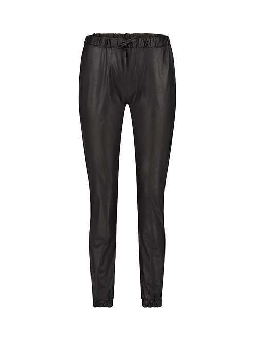 Max leather look jogger