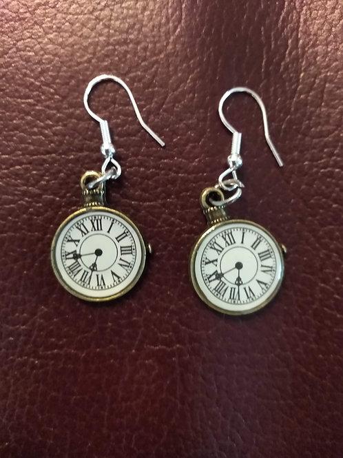 Örhängen i form av klocka, Nickelfria och silverpläterade.