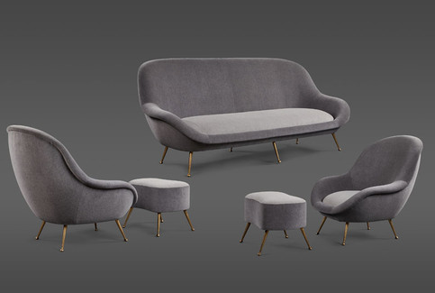 AN ELEGANT ITALIAN SUITE OF A SETTEE AND TWO CHAIRS WITH MATCHING OTTOMANS