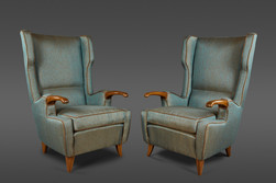 A PAIR OF STATELY ITALIAN UPHOLSTERED AND WOOD CHAIRS