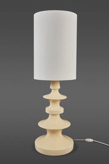 A DELICATELY GLAZED CERAMIC TABLE LAMP BY MARGRIT LINCK