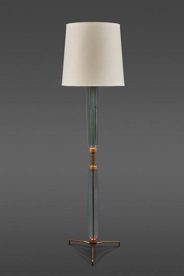 A STUNNING ITALIAN FLOOR LAMP IN THE STYLE OF FONTANA ARTE