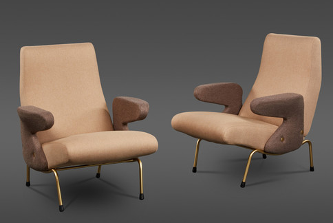 """A PAIR OF """"DELFINO"""" ARMCHAIRS BY ERBERTO CARBONI MANUFACTURED BY ARFLEX"""