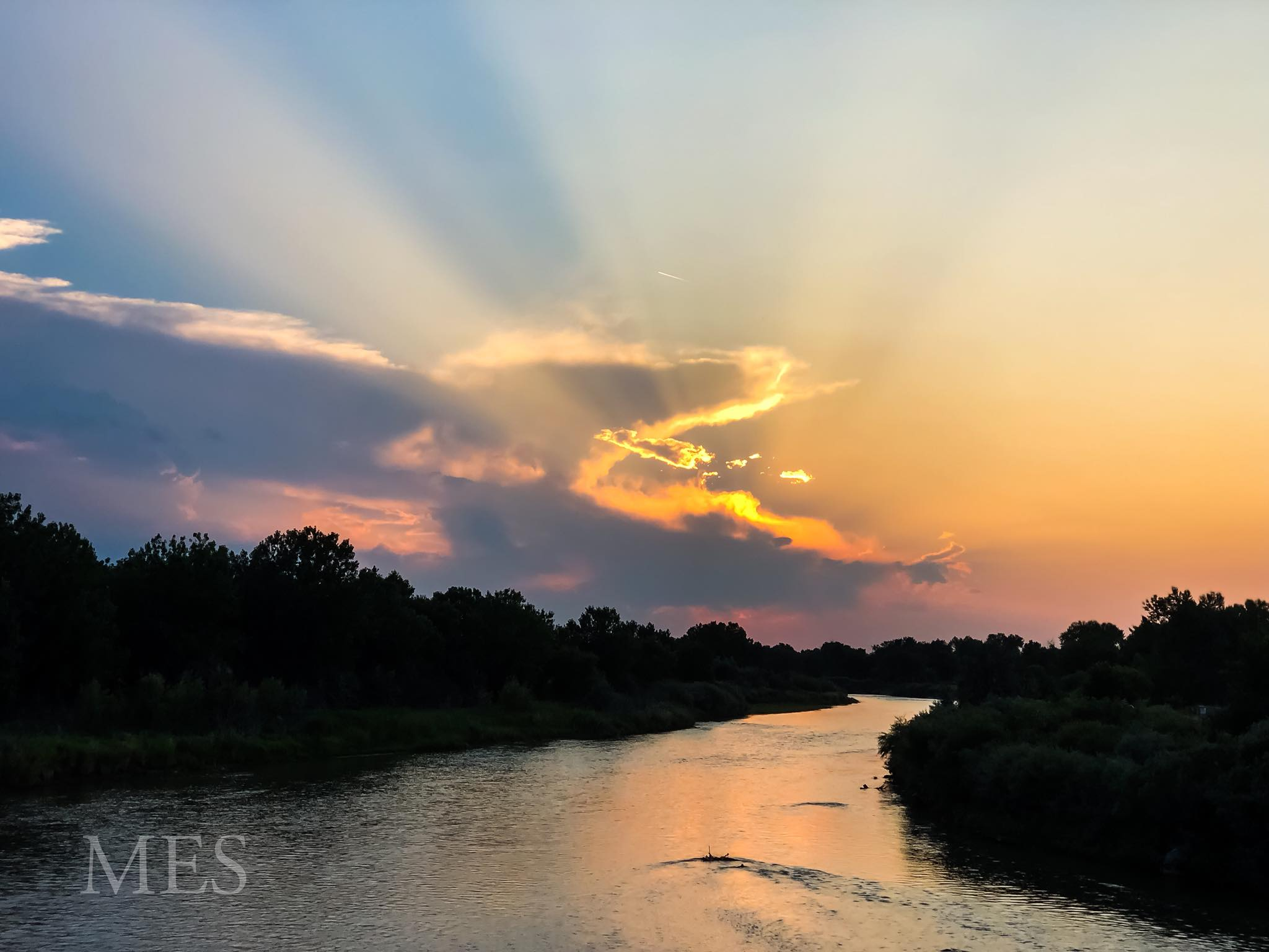 River sunset 2.jpg