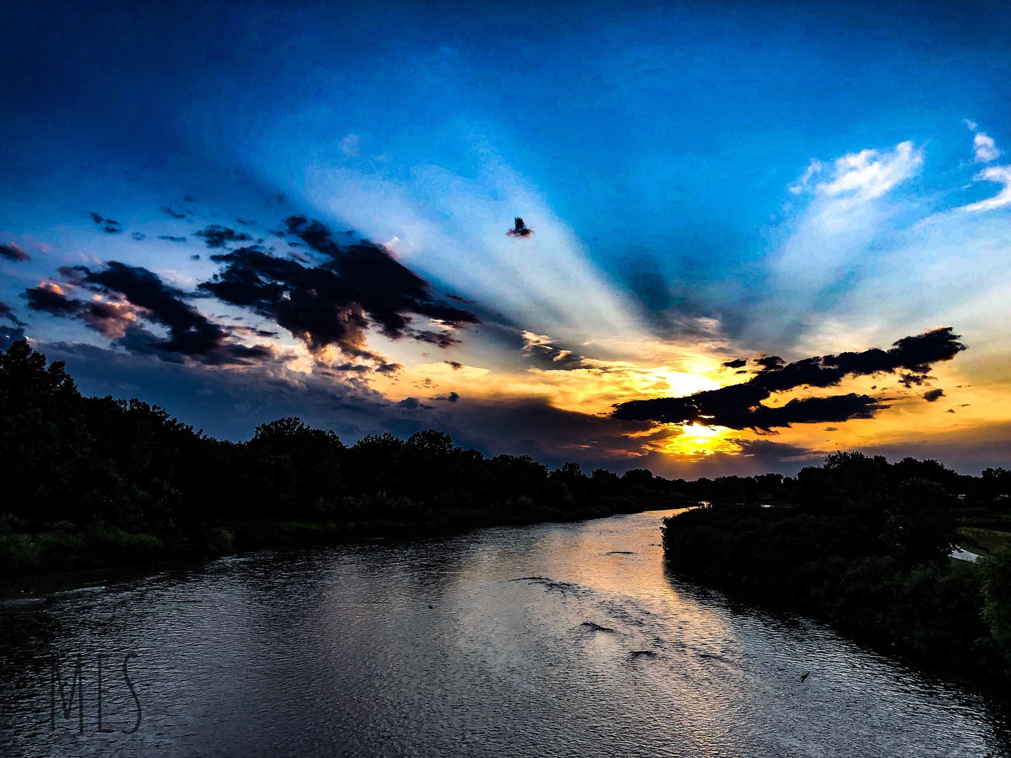 River sunset 3.jpg