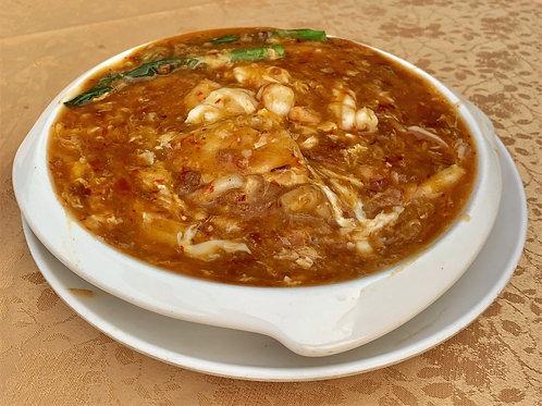 Fried Kway Teow with Seafood and Sambal Eggs Sauce 春芭酱滑蛋海鲜河