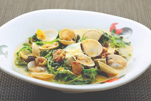 旗开得胜碧生辉 (花蛤三色蛋苋菜) Poached Chinese Spinach with Sea Clam and  Trio Eggs (L)