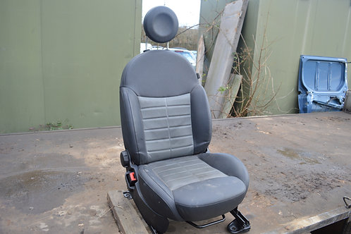 Fiat 500 Sport Half Leather Seat (Passenger Side)