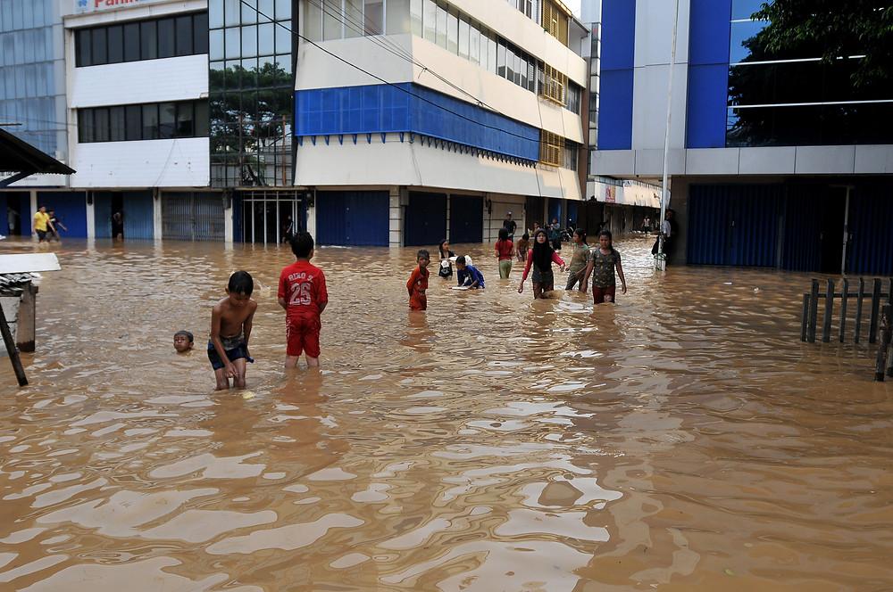 Jakarta lack of infrastructure