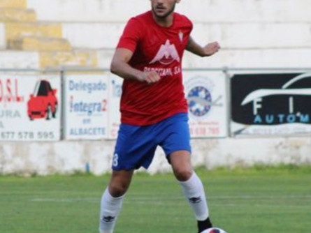El CP Villarrobledo deja marchar a un Nacho Huertas enfrentado al entrenador
