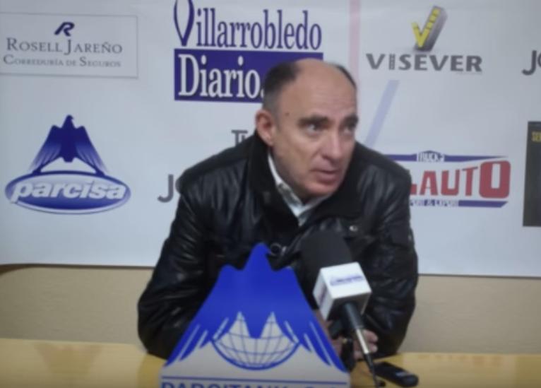 Imagen de Manolo Torres, entrenador de la UD Almansa