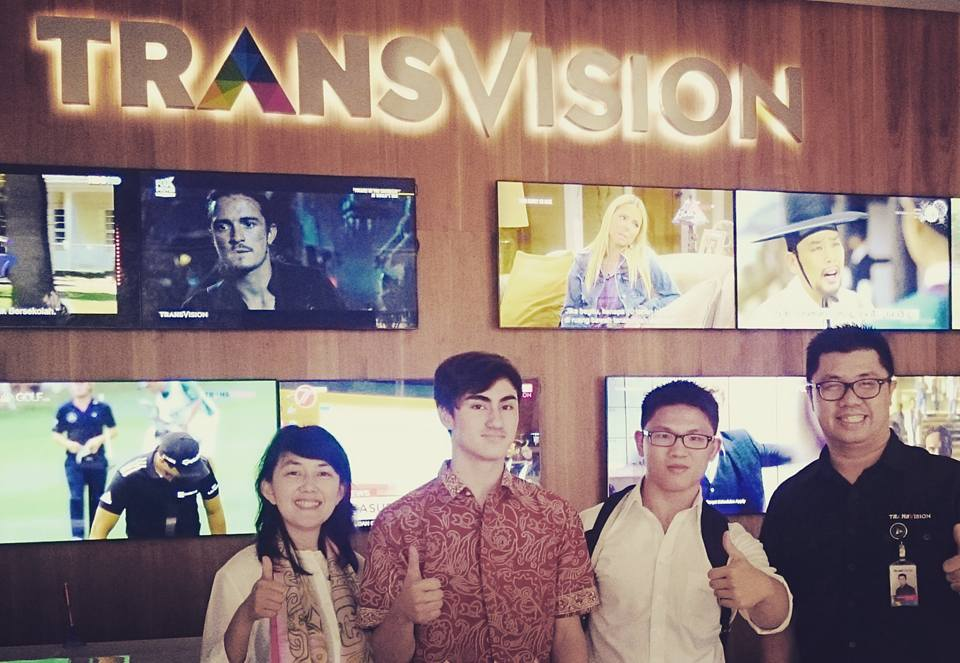 Transvision | Red&White