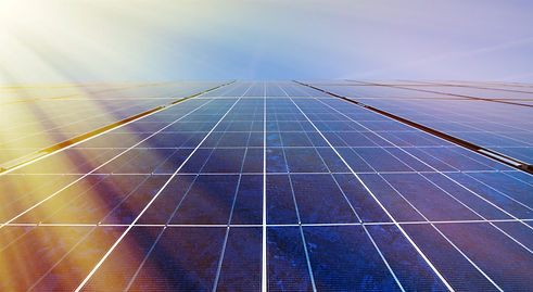 Solar-panels-in-sunlight-471753462_4606x