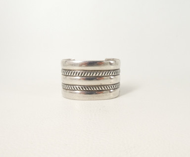 Vintage wide Navajo silver ribbed cuff with linear design