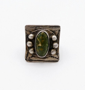 Vintage Navajo green turquoise and silver ring with rain drops.