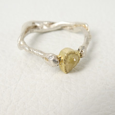 R13. Snake ring 18ct, sterling with yellow diamond and white diamond eyes.