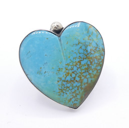 R25 #8 Turquoise heart ring with gold detail