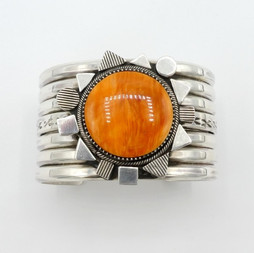C3 Oronge spiny oyster shell cuff