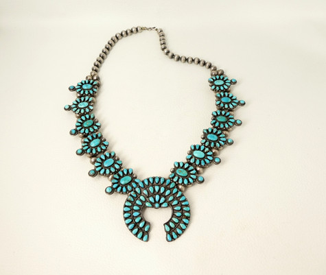 Beautiful, 1940's Zuni turquoise cluster squash blossom necklace