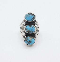 Vintage Navajo three turquoise stone ring.