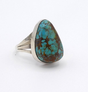 Contemporary Navajo turquoise silver ring.