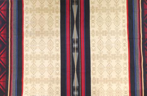 Pendleton 'Big Horn' wool blanket. 90in x 90in