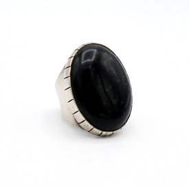 Vintage Navajo oval jet and silver ring