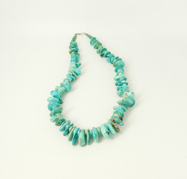 Vintage single strand turquoise tabs necklace