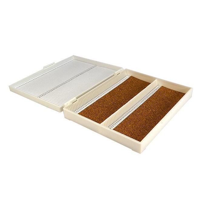 FILOSLIDE 100 BOX -  műanyag tároló, postázó doboz parafa betéttel  100 tárgylemezhez - fehér