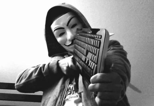 Red Hack/Hacktivizm: Yurttaş Gazeteciliği Mi, Soruşturmacı Gazetecilik Mi, İfşaat mı?