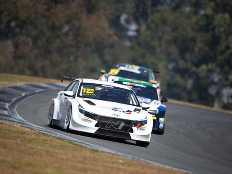 Sérgio Jimenez e Beto Monteiro ficam com a segunda colocação em Curitiba no TCR South America