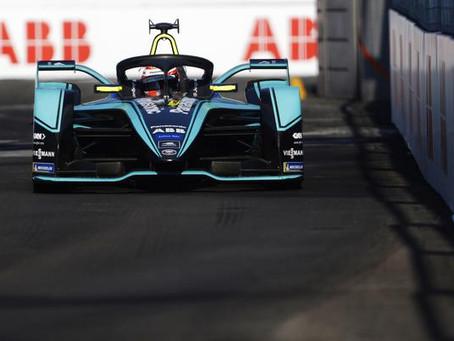 Sérgio Jimenez testa Fórmula E da Jaguar Racing em 17 de outubro na pista de Valência