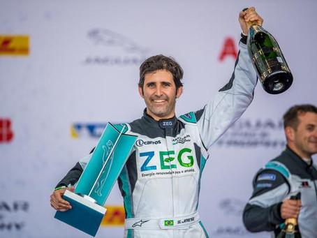 Sergio Jimenez sobe no pódio do Jaguar I-PACE eTROPHY e embola disputa pela liderança do campeonato