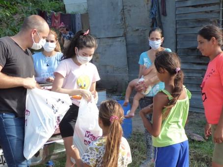La Agrupación RED x Campana entregó útiles en Barrio La esperanza