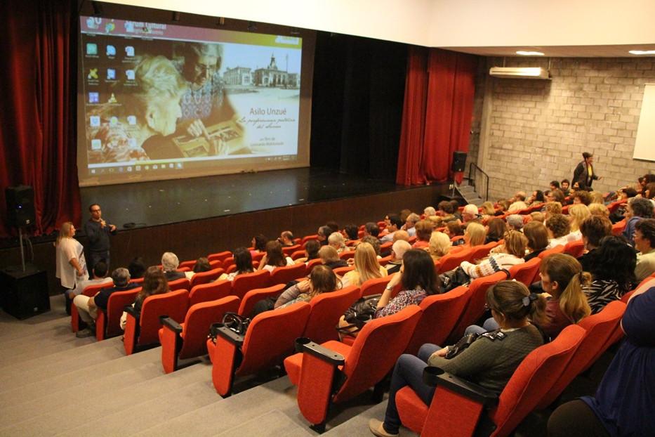 Estreno en Zárate, a sala llena en el Fórum Cultural, Dirección de Cultura de Zárate