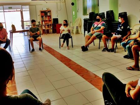 Jóvenes solicitan programas de pasantías en empresas de la ciudad