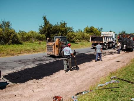 Se realiza el mantenimiento de la calle de acceso a Las Praderas