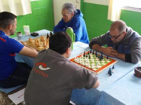 Capacitarán a personas privadas de la libertad de Campana para que enseñen a jugar al ajedrez