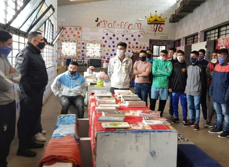 Donan libros para los jóvenes detenidos en la cárcel de Campana