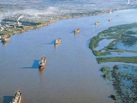 """""""Estamos convencidos de lograr la soberanía nacional del Río Paraná, no solo de la Hidrovía''"""