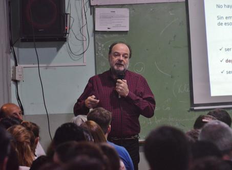 Jorge Steiman disertó en el Instituto 15