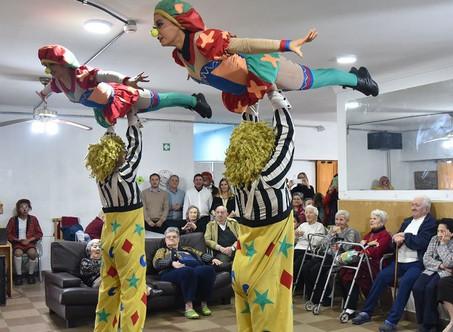 El circo Rodas brindó una función especial en el Hospital San José y el Hogar de Ancianos