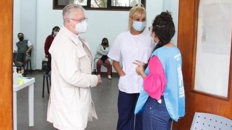 """""""El municipio sigue ausente y encima pone palos en la rueda en la campaña de vacunación"""""""