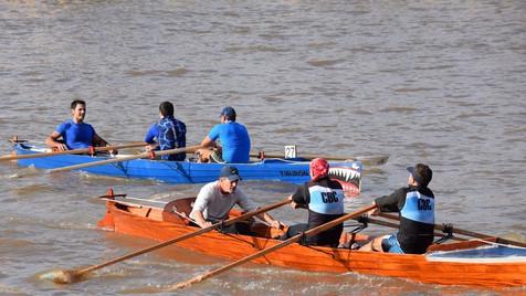 Remo: dos botes campanenses en el top-10 de la regata de travesía ''Vuelta Isla Victoria''